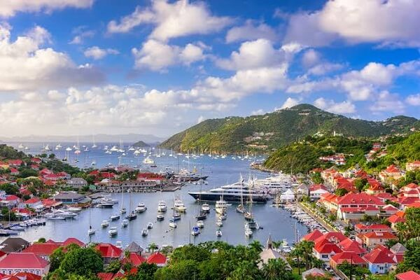 10 Best Caribbean Islands to Visit This Winter [Top Destinations]